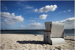 Strandkorb am meer  Meer und Strand 01